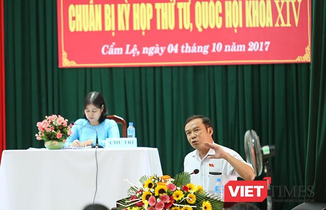 ông Nguyễn Bá Sơn thay mặt các thành viên Đoàn đại biểu Quốc hội TP Đà Nẵng trong buổi tiếp xúc cử tri ghi nhận và đánh giá cao các ý kiến của các cử tri tại buổi tiếp xúc