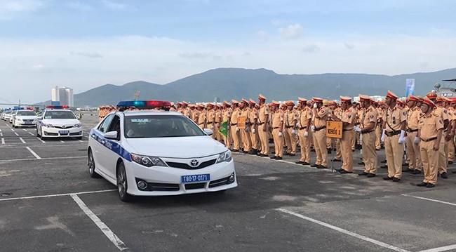 Lực lượng CSGT quyết tâm đảm bảo an toàn tuyệt đối cho Tuần lễ cấp cao APEC 2017 ảnh 7