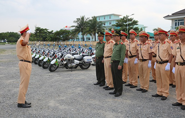 Lực lượng CSGT quyết tâm đảm bảo an toàn tuyệt đối cho Tuần lễ cấp cao APEC 2017 ảnh 1
