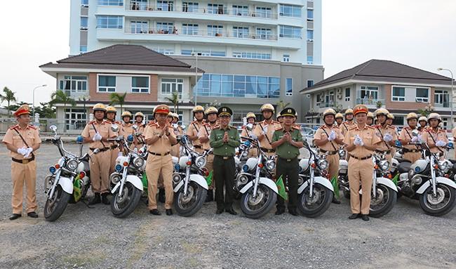 Lực lượng CSGT quyết tâm đảm bảo an toàn tuyệt đối cho Tuần lễ cấp cao APEC 2017 ảnh 11