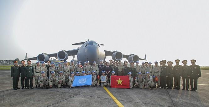 Chùm ảnh: Máy bay Australia đưa cán bộ Bệnh viện Dã chiến Cấp 2 số 2 của Việt Nam đến Nam Sudan ảnh 5