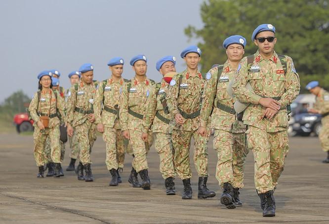 Chùm ảnh: Máy bay Australia đưa cán bộ Bệnh viện Dã chiến Cấp 2 số 2 của Việt Nam đến Nam Sudan ảnh 8