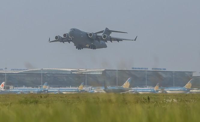 Chùm ảnh: Máy bay Australia đưa cán bộ Bệnh viện Dã chiến Cấp 2 số 2 của Việt Nam đến Nam Sudan ảnh 11