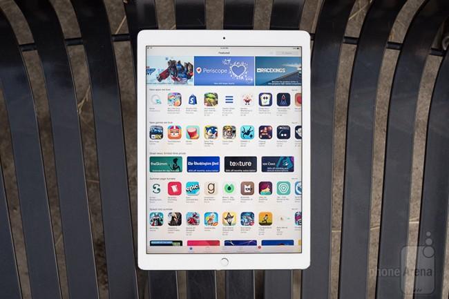 Đánh giá iPad Pro 12.9: màn hình khủng, chơi game tuyệt vời ảnh 2