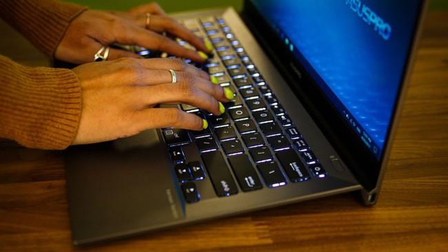 Đánh giá laptop Asus Pro B9440 ảnh 11
