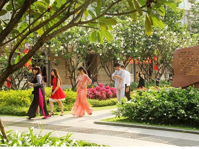 Ngắm một Sài Gòn vắng lặng sáng đầu năm Kỷ Hợi ảnh 11