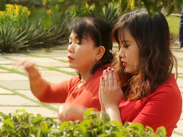Ngắm một Sài Gòn vắng lặng sáng đầu năm Kỷ Hợi ảnh 1