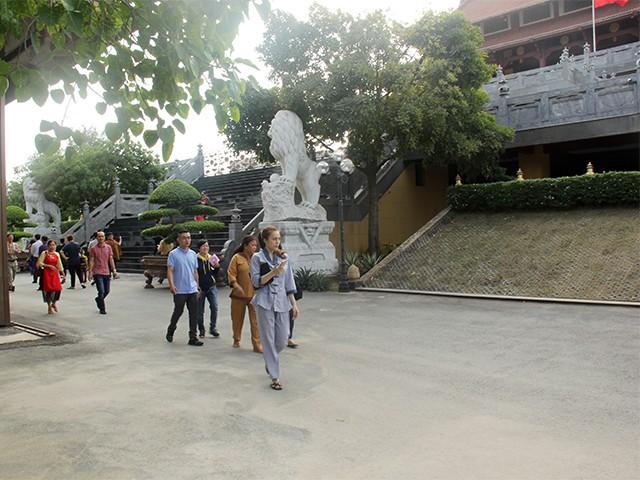 Ngắm một Sài Gòn vắng lặng sáng đầu năm Kỷ Hợi ảnh 2