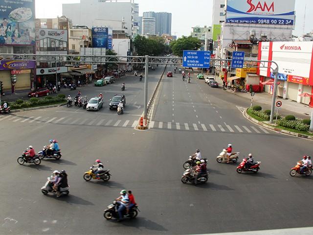 Ngắm một Sài Gòn vắng lặng sáng đầu năm Kỷ Hợi ảnh 4