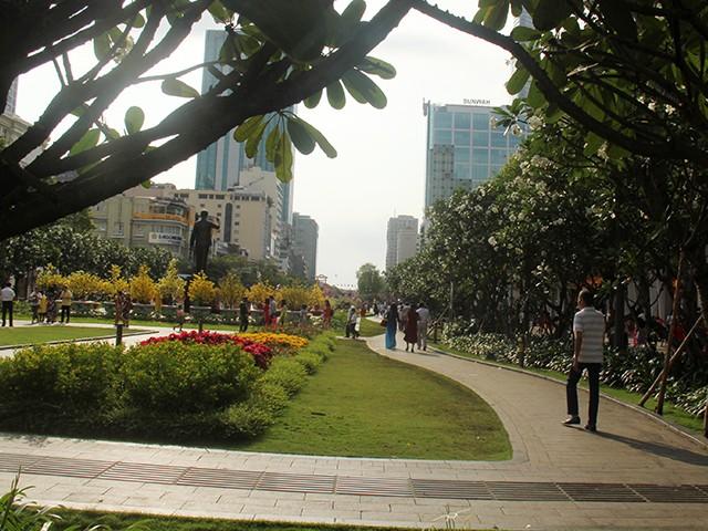 Ngắm một Sài Gòn vắng lặng sáng đầu năm Kỷ Hợi ảnh 6