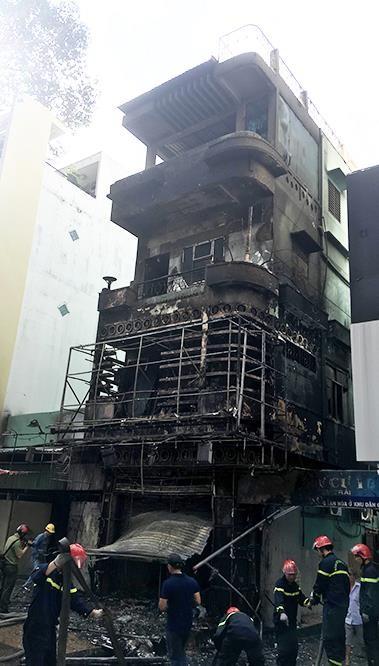 Một buổi sáng, hai đám cháy lớn ở Sài Gòn, nhiều tài sản bị thiêu rụi ảnh 3