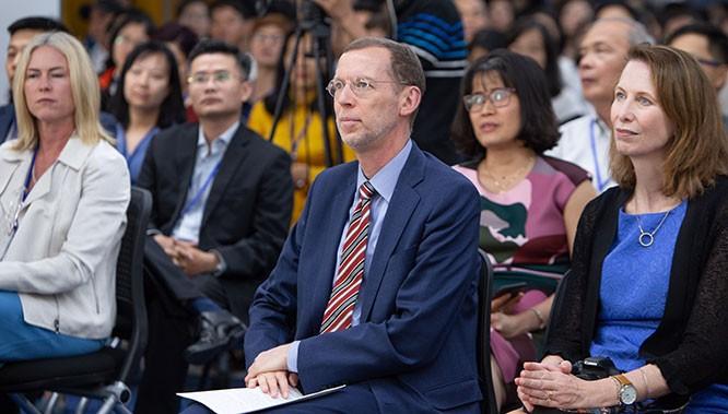 Chuyên gia Harvard dự báo kinh tế toàn cầu hậu Covid-19 ảnh 1