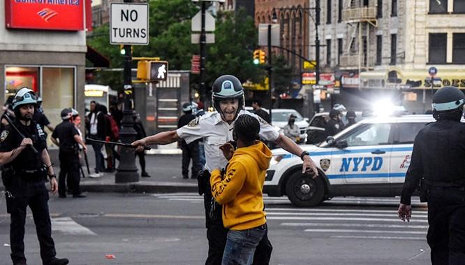 Phần 2: Những điều chưa từng thấy trong làn sóng biểu tình ở Mỹ ảnh 3