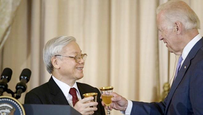 Đường đến Nhà Trắng của người lẩy Kiều với Tổng Bí thư Việt Nam ảnh 1