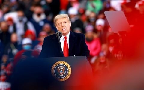 """Giải mã sức hút của """"kẻ nổi loạn quyến rũ"""" Donald Trump ảnh 3"""