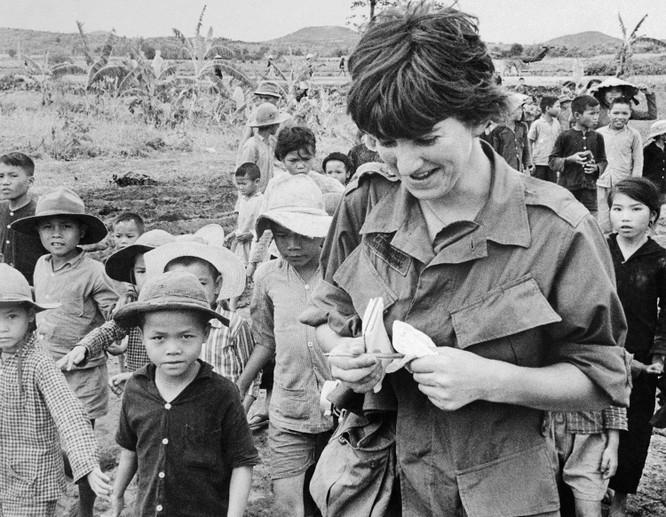 Nữ nhà báo được trao giải Pulitzer trò chuyện với VietTimes về cuốn sách đề tài chiến tranh Việt Nam ảnh 4