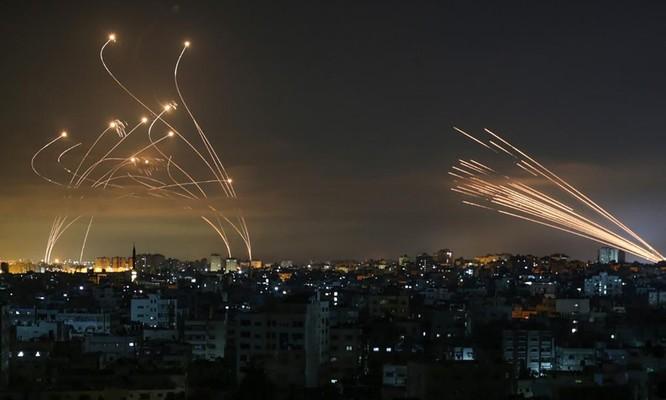 Tiến sĩ Terry F. Buss: Xung đột Israel – Palestine bùng nổ và thế khó của ông Biden ảnh 1
