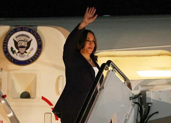 """Phó Tổng thống Mỹ thăm Việt Nam: """"Mỹ sẽ ở lại đây"""" ảnh 1"""
