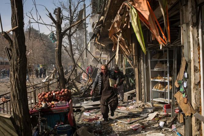 """Tiến sĩ Terry F. Buss: Afghanistan có thể trở thành """"vườn ươm"""" khủng bố toàn cầu ảnh 2"""
