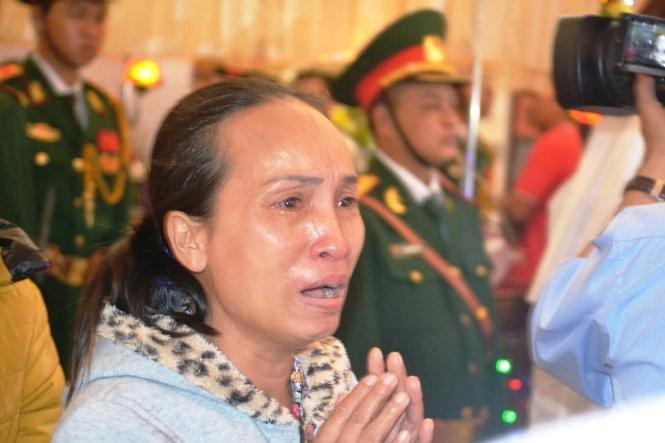 Người dân Đà Nẵng đau đớn khi đến viếng đám tang ông Nguyễn Bá Thanh