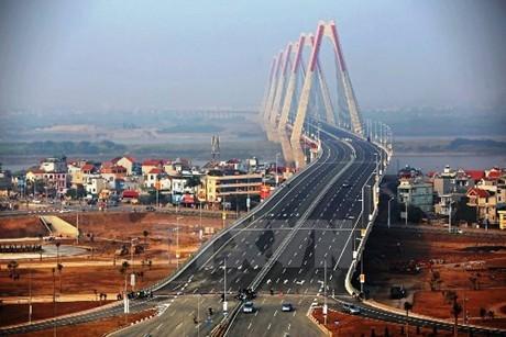 Cầu Nhật Tân (Hà Nội) khành thành ngày 4/2/2015. Ảnh: VGP