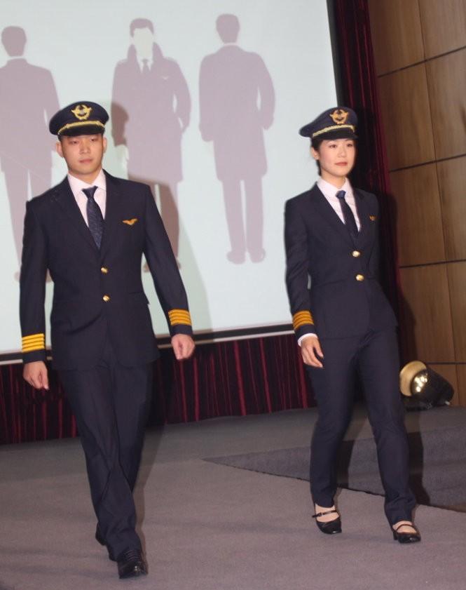 Đồng phục mới của phi công