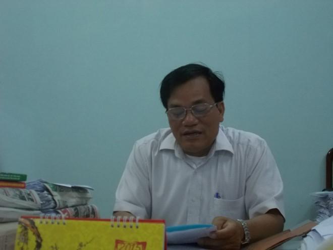 Chủ tịch huyện Quế Sơn trao đổi về vấn đề.