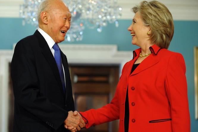 Ông Lý Quang Diệu và bà Hilary Clinton