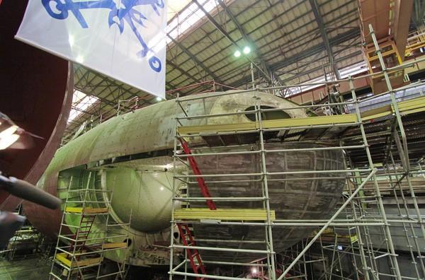 Tàu ngầm HQ-186 Khánh Hòa chuẩn bị hạ thủy, ngày 28.12.2014 - Ảnh: Nhà máy Admiralty