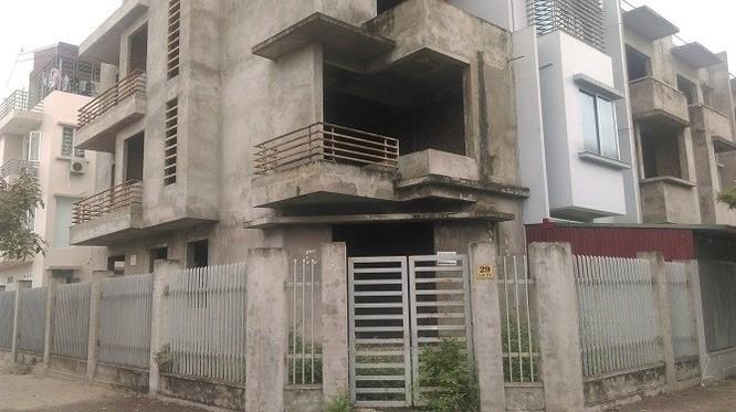 Thời sốt nóng những năm 2009 - 2010, những căn biệt thự thế này có giá khoảng từ 12 - 15 tỷ đồng/căn
