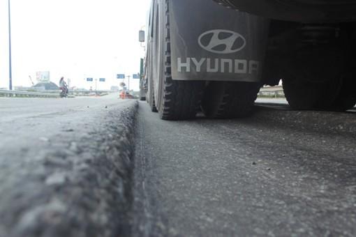 Các phương tiện di chuyển chậm do mặt đường lồi lõm