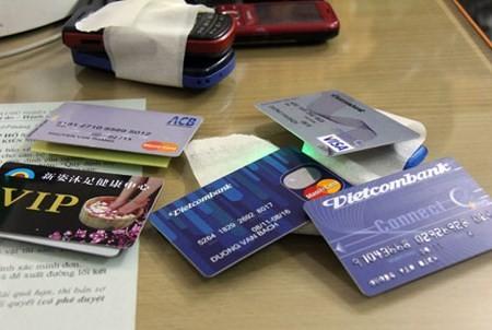 """Lỗ hổng bảo mật trên ATM, người Việt """"đối mặt"""" với nguy cơ mất tiền ảnh 3"""
