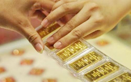 Vàng cất két sắt bốc hơi trăm tỷ: Đại gia phát hoảng ảnh 2