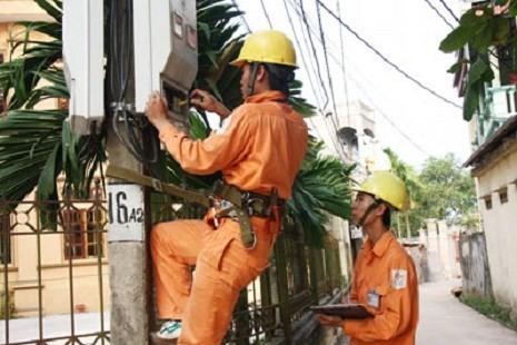 Hóa đơn điện tăng gấp 8 lần, EVN bảo dân phải tự ... kiểm soát!? ảnh 1