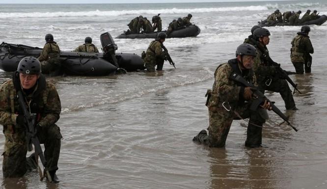 Trung Quốc tập tấn công tàu sân bay, Mỹ-Nhật tập trận chiếm đảo ảnh 3