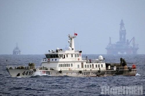 Trung Quốc kéo giàn khoan Hải Dương 981 vào vùng thềm lục địa và đặc quyền kinh té của Việt Nam, gây căng thẳng quan hệ hai nước