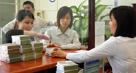 Lãi lớn, lương cao: Nhân viên ngân hàng lại sướng ảnh 1