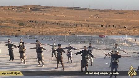 Rùng rợn cuộc sống bên trong lãnh thổ nhóm khủng bố Nhà nước Hồi giáo ảnh 1