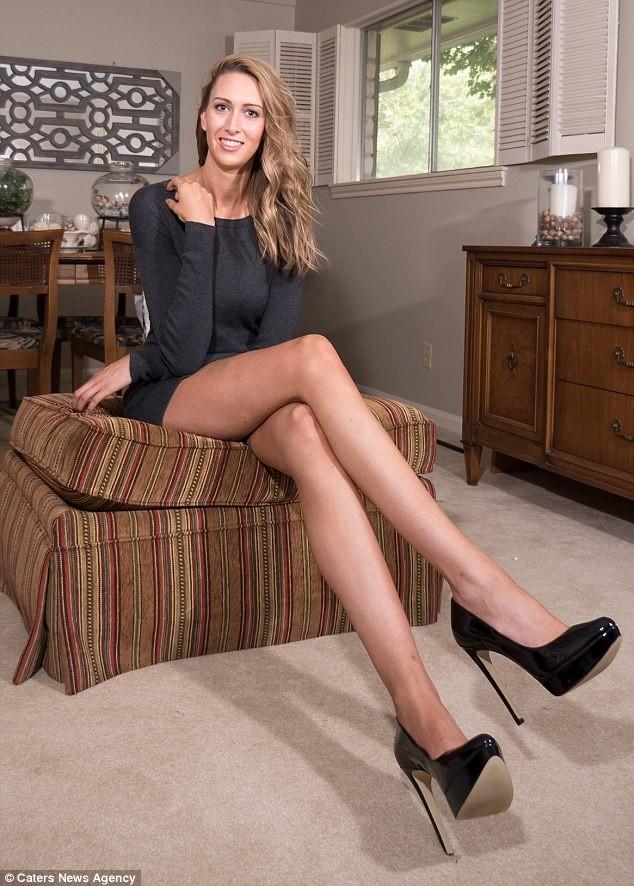 Choáng với nàng siêu người mẫu sở hữu cặp chân dài 1,25 m ảnh 5