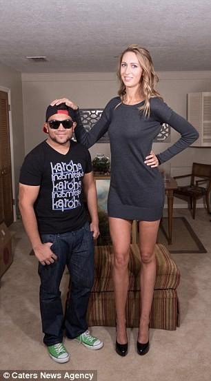 Choáng với nàng siêu người mẫu sở hữu cặp chân dài 1,25 m ảnh 7