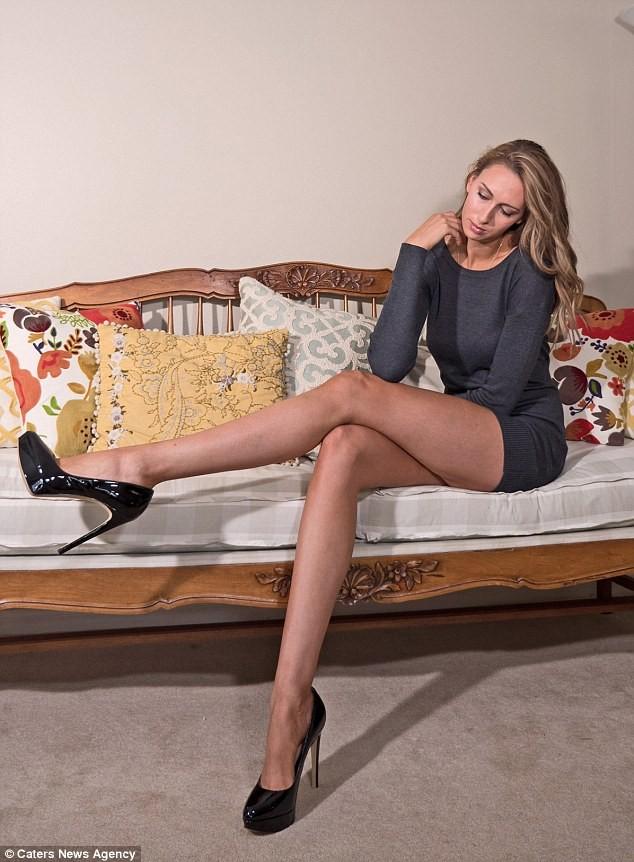 Choáng với nàng siêu người mẫu sở hữu cặp chân dài 1,25 m ảnh 2