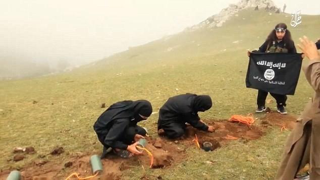 Rùng rợn cuộc sống bên trong lãnh thổ nhóm khủng bố Nhà nước Hồi giáo ảnh 46