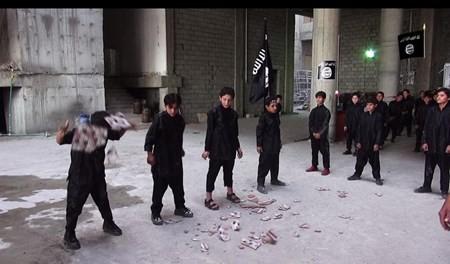 Rùng rợn cuộc sống bên trong lãnh thổ nhóm khủng bố Nhà nước Hồi giáo ảnh 61