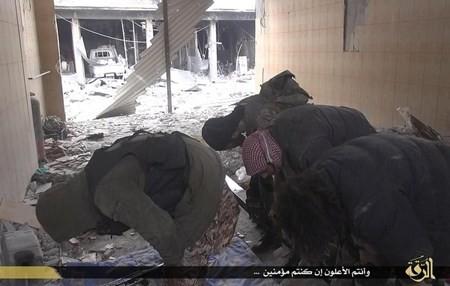 Rùng rợn cuộc sống bên trong lãnh thổ nhóm khủng bố Nhà nước Hồi giáo ảnh 49
