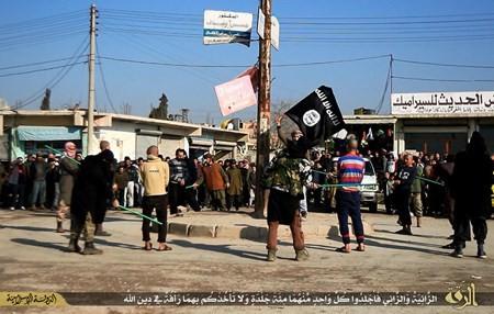 Rùng rợn cuộc sống bên trong lãnh thổ nhóm khủng bố Nhà nước Hồi giáo ảnh 78