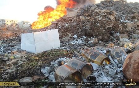 Rùng rợn cuộc sống bên trong lãnh thổ nhóm khủng bố Nhà nước Hồi giáo ảnh 72