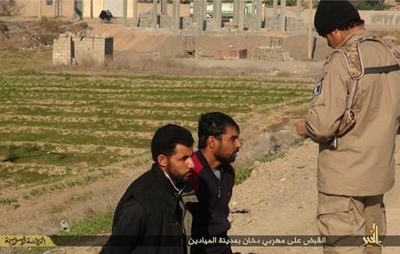 Rùng rợn cuộc sống bên trong lãnh thổ nhóm khủng bố Nhà nước Hồi giáo ảnh 94