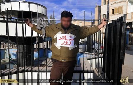 Rùng rợn cuộc sống bên trong lãnh thổ nhóm khủng bố Nhà nước Hồi giáo ảnh 102