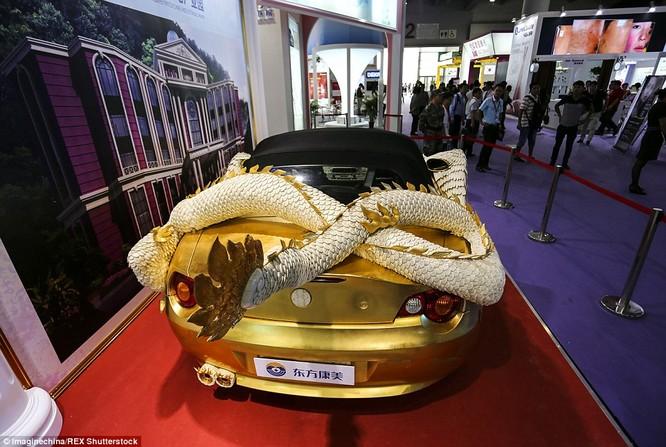 """""""Siêu xe rồng"""" dát vàng, thú chơi ngông của đại gia Trung Quốc ảnh 4"""