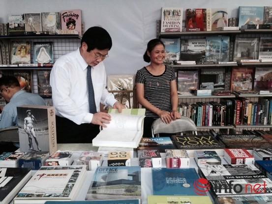Tưng bừng khai mạc Triển lãm, Hội chợ Sách quốc tế - Việt Nam 2015 ảnh 1